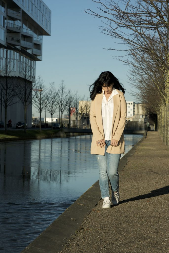 Long tailored blazer from Missguided
