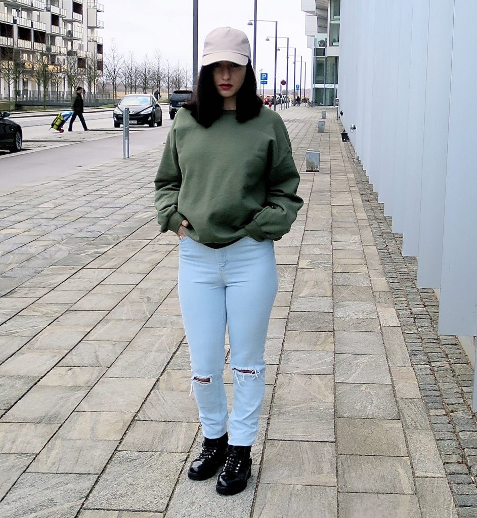Outfit of the day: oversized sweatshirt