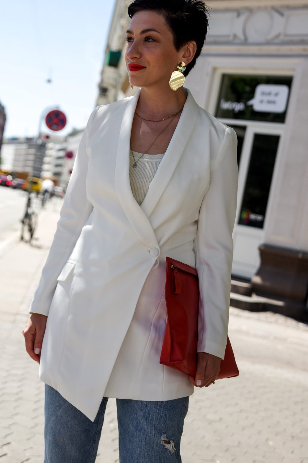 work-wear-white-blazer-spring-outfit-idea-how-to-make-a-great-first-impression-at-work-or-in-life