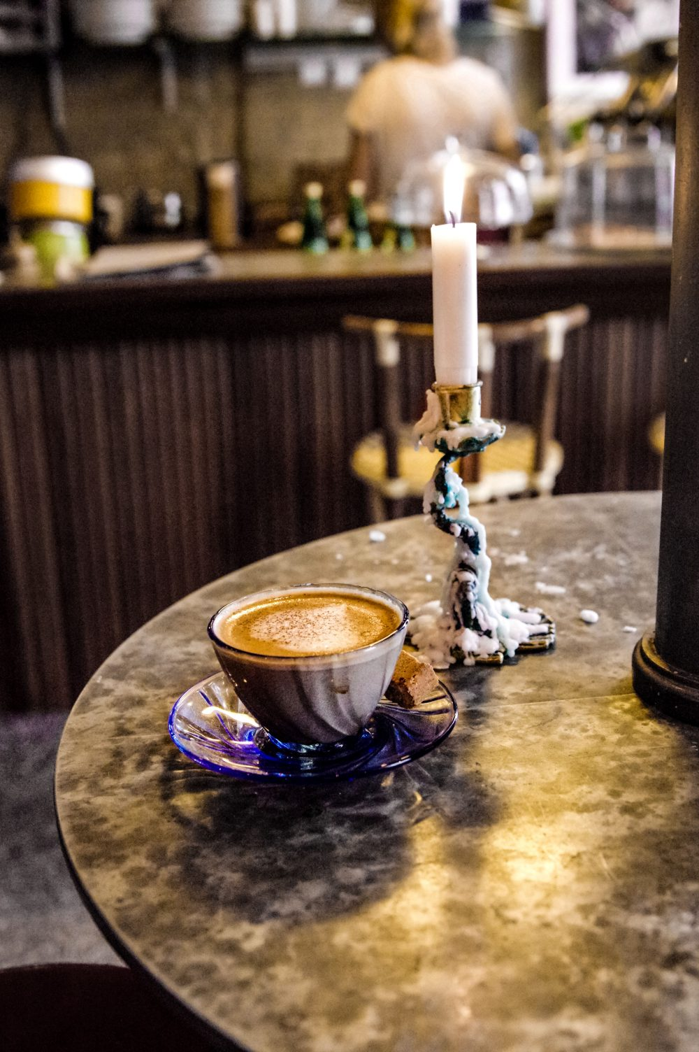 how to have the best september, fall vibes,cosy, hygge, wellness, self love self care, make the best of your september, coffee place, coffee shot, candles