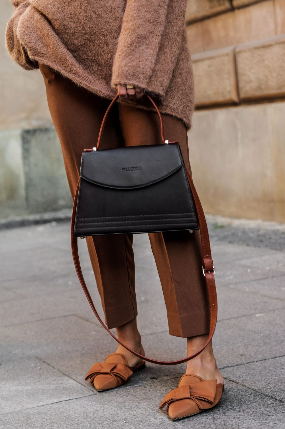 women-handbag-fall-accessory-fall-outfit-fall-fashion