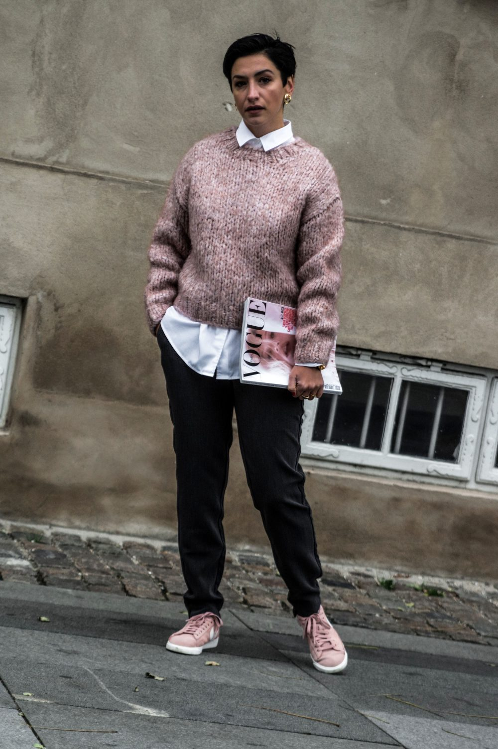 3-Scandinavian-winter-outfits-ideas-instagram-round-up-layered-outfitsweaterwork-wear-casual-style-Copenhagen-streetstyle.