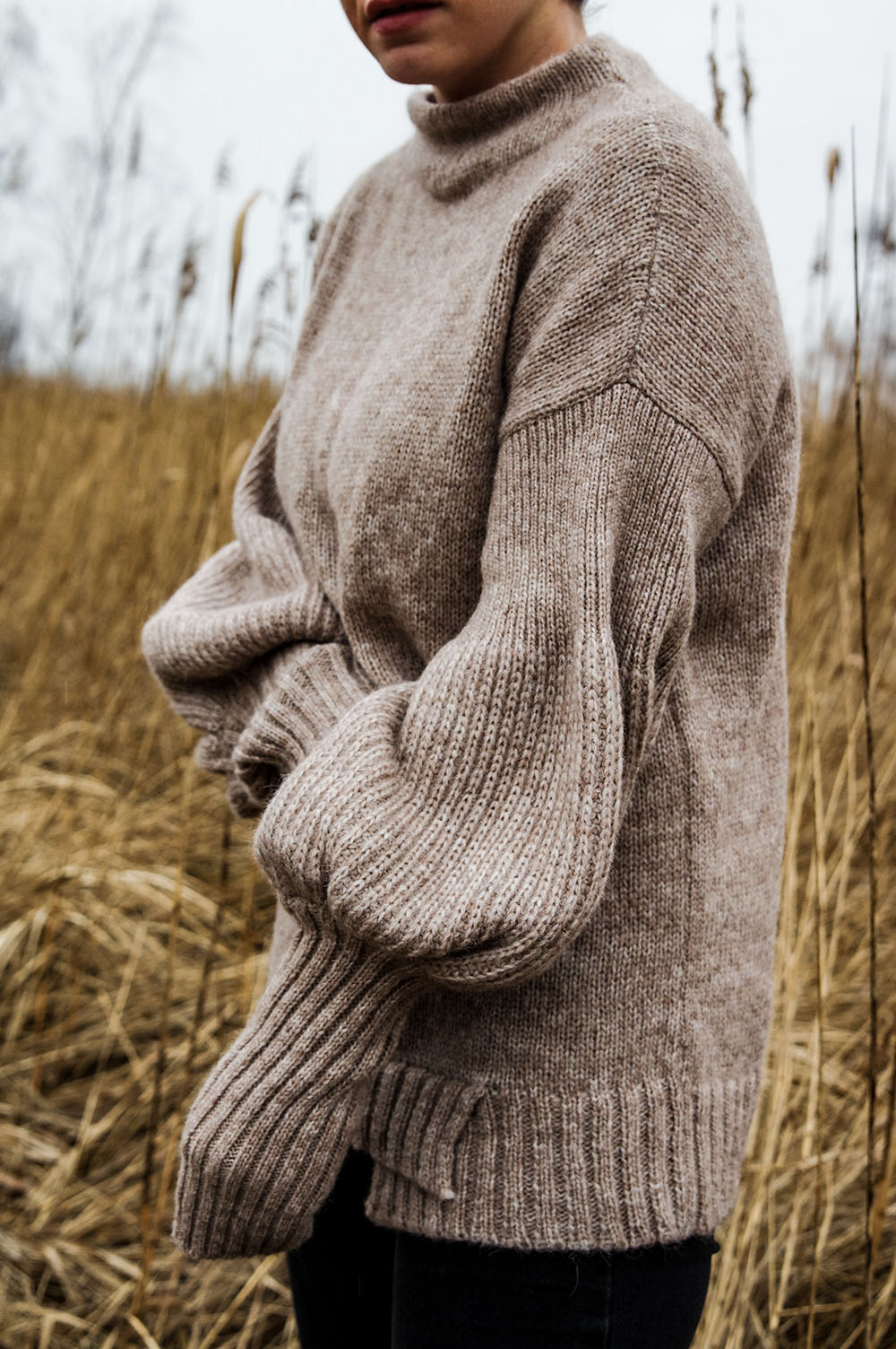The-one-sustainable-fashion-brand-tou-need-to-add-to-your-wardrobe-sweater-handmade-spring-outfit.
